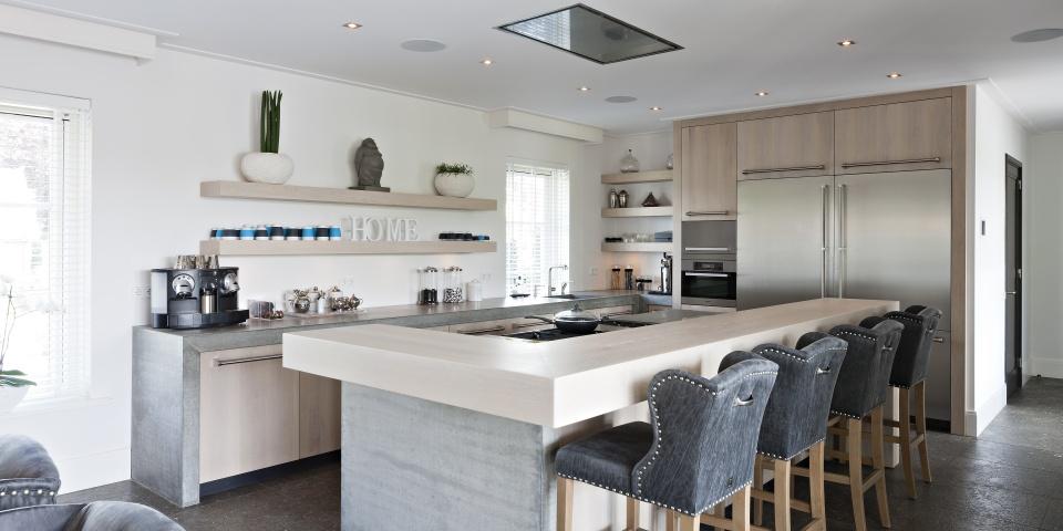 Keuken Met Betonblad : Hollands Maatwerk: Eikenhouten keuken