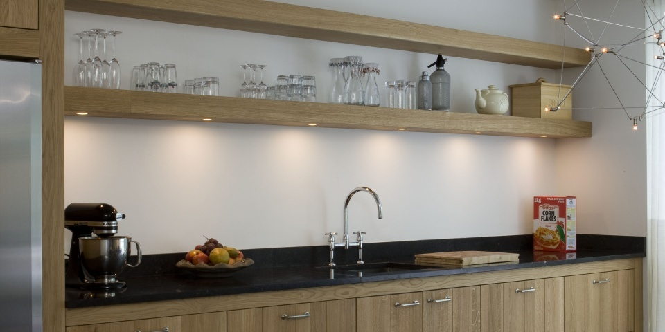 De Eikenhouten Keuken : De eikenhouten keuken is voorzien van een ...