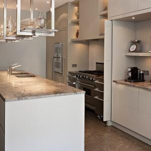 Hollands maatwerk massief eikenhouten keuken - In het midden eiland keuken ...