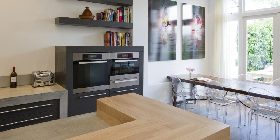 Hollands maatwerk royale keuken met bar - Lounge en keuken in dezelfde kamer ...