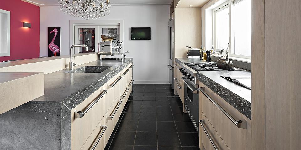Moderne keuken met bar beste inspiratie voor huis ontwerp - Moderne keuken in het oude huis ...